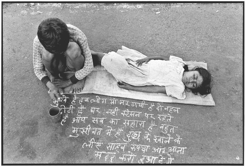 Children Begging in Mumbai, India